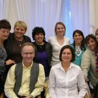 Доктор Жильберт Рено с учениками