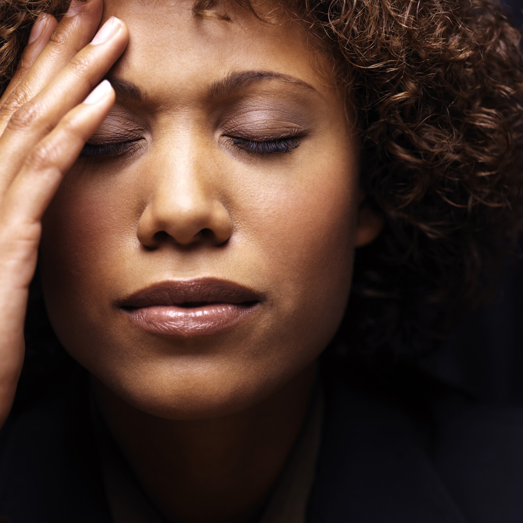 silne migrenowe bole glowy